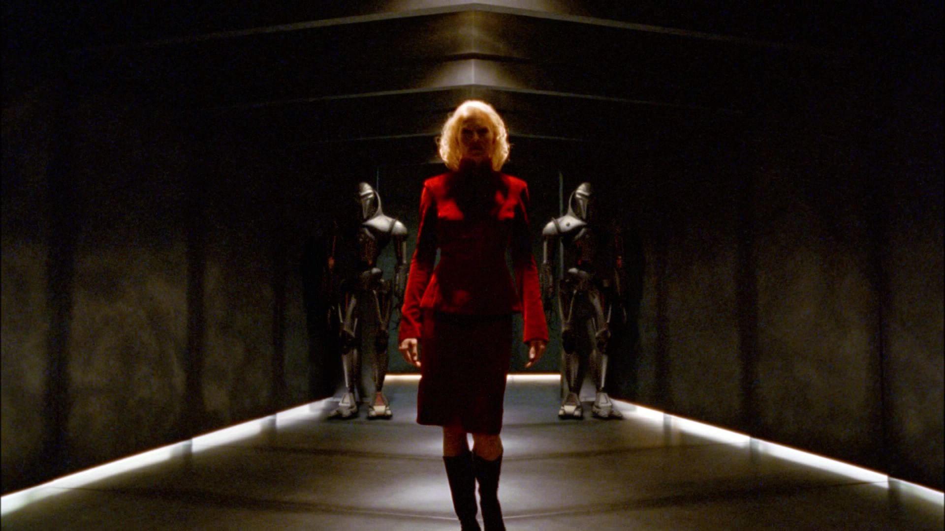 Battlestar Galactica - Page 9 Ariane179254_bsg_miniseries_part1_0147
